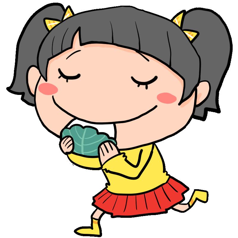 5月5日はこどもの日幸せそうな笑顔で柏餅を食べる女の子かわいい無料